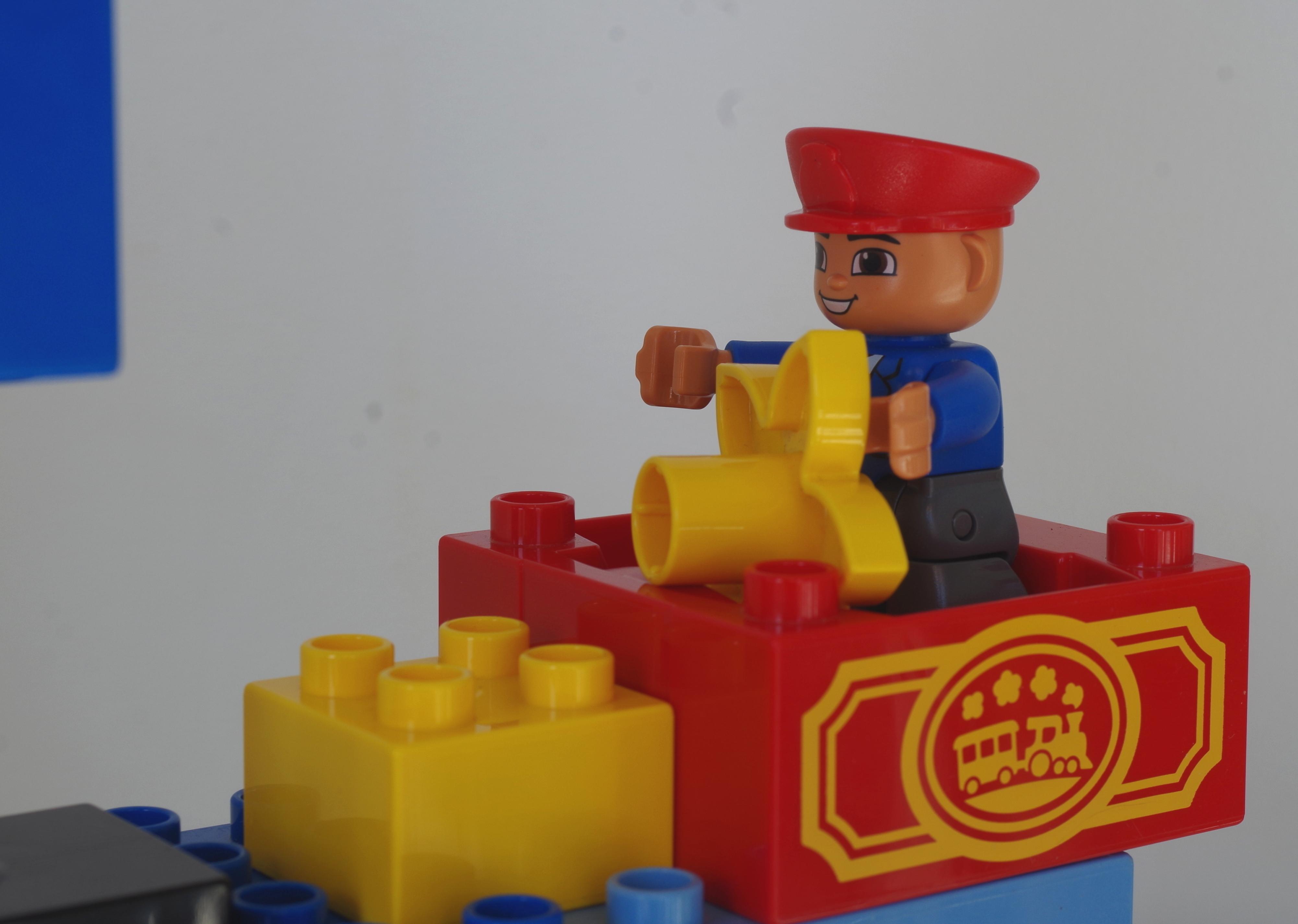 Id 233 E Construction Lego Duplo Le Fameux Bateau Papa Et Moi